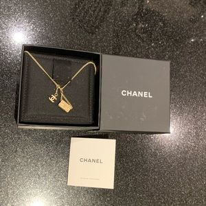 CHANEL Flap Bag Necklace